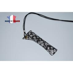 PORTE E-CIGARETTE NOIR À FLEURS étui fabrication française